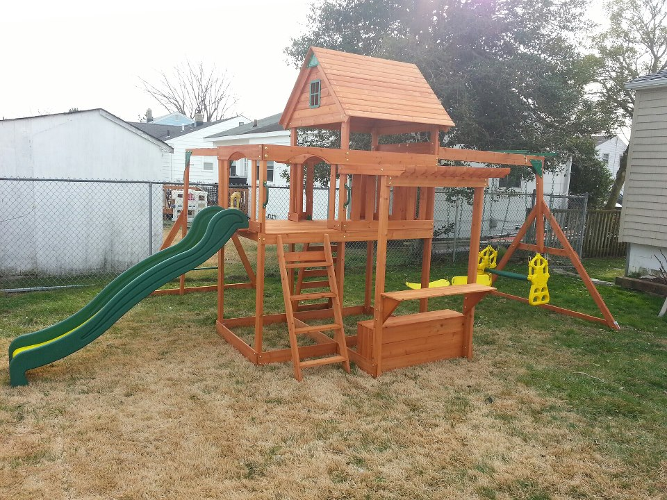 537793_317997091639802_973804373_n-1 Backyard Discovery Monticello Cedar Swing Set